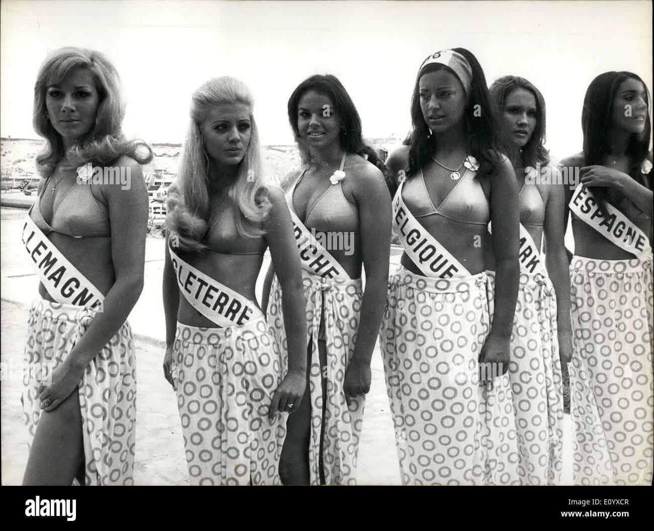 Sep. 15, 1971 - Lillian Atterer Germany, Pamela Wood England, Ursula Illich Austria, Martine de Hert Belgium, DorritStock Photo
