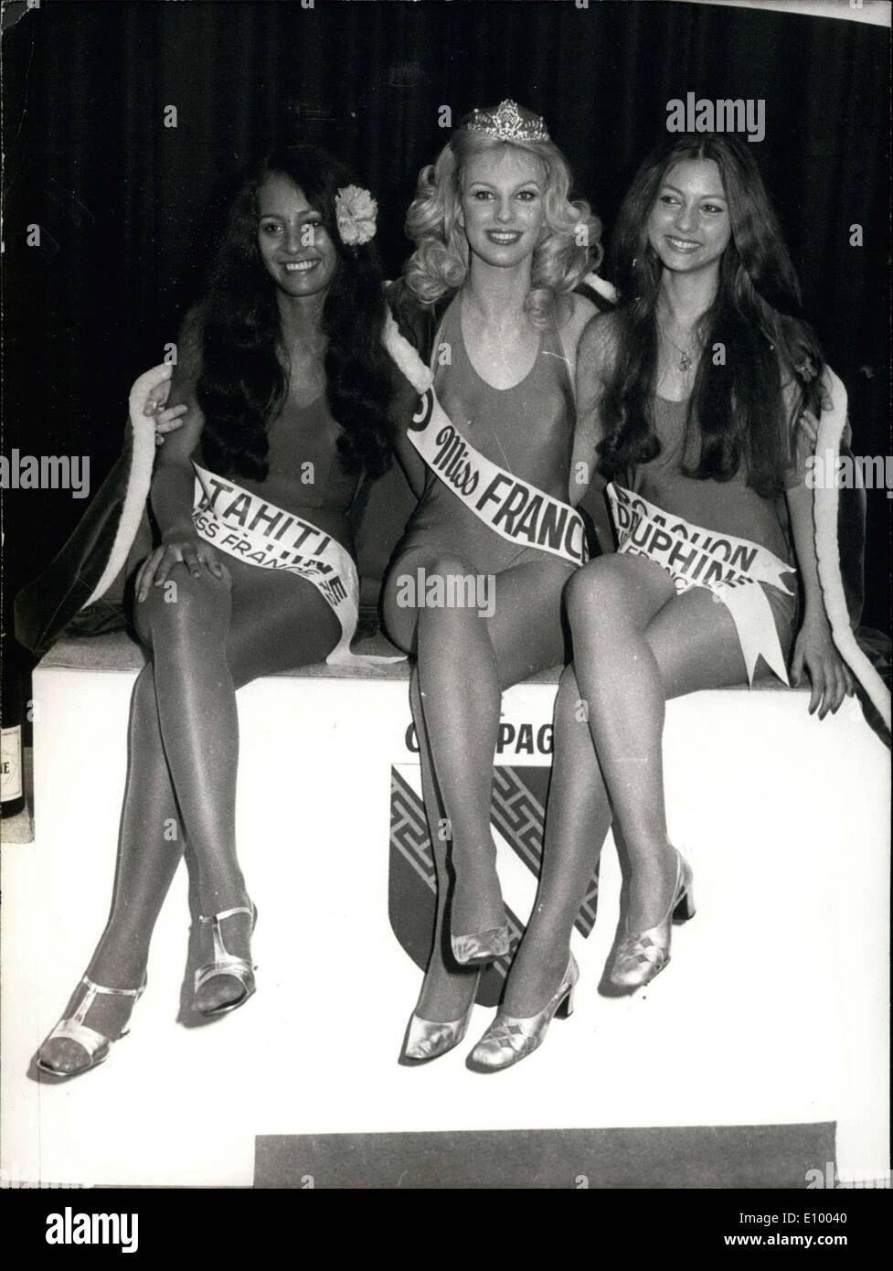 Jan. 01, 1972 - The new Miss France 1972, Chantal Bouvier Delamotte, surrounded by her dauphines, Miss Tahiti, Jeanne Stock Photo