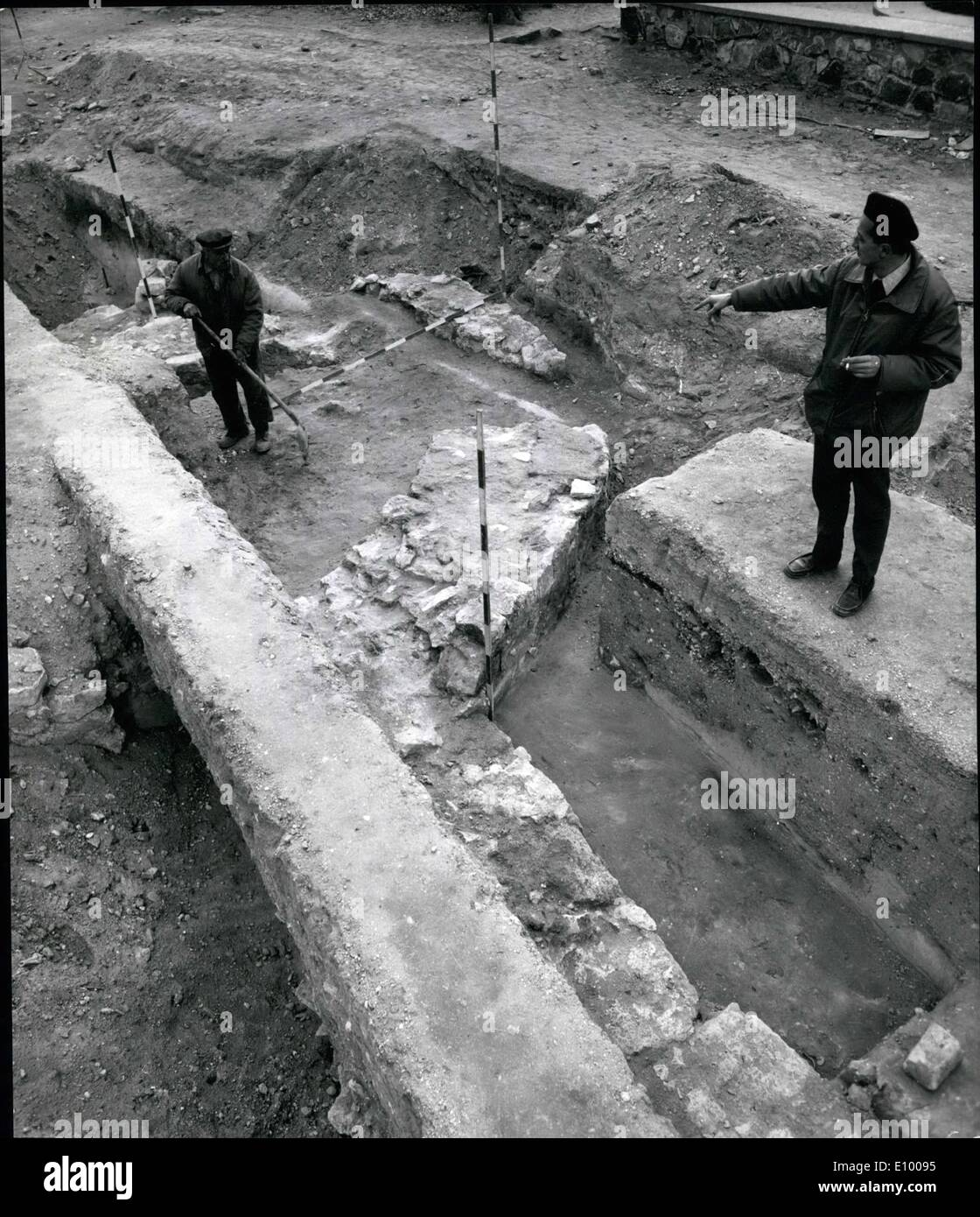 Jan. 01, 1972 - TOMB OF HUNGARIAN NATION'S FIRST RULER BELIEVED FOUND IN WESTERN HUNGRY. Archeologists excavating Stock Photo