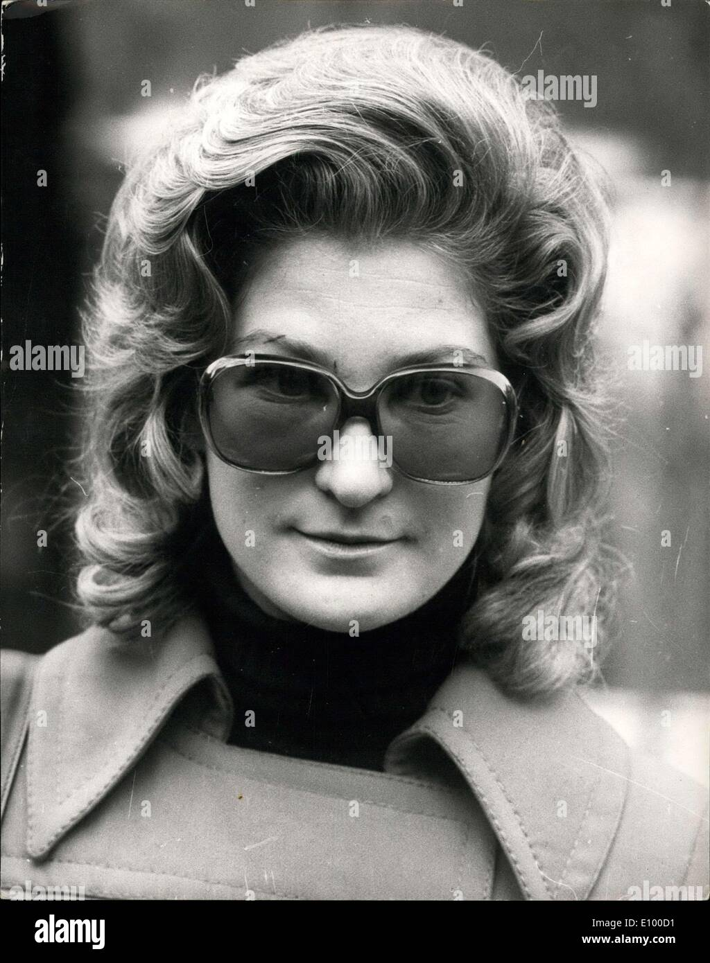 Jan. 14, 1972 - Lady Mackeson Divorce Petition: Sir Rupert Mackeson, 30, ex-Harrovian, Guards Officer and steeplechase rider, promised a High Court Judge yesterday that he would not molest his estranged wife, Lady Mackeson, 24, daughter of Merchant banker, Sir Kenneth Keith. The judge also ordered that Lady Mackeson's divorce petition should be brought forward by two months and heard today. Photo shows Today's picture of Lady Mackeson. - Stock Image
