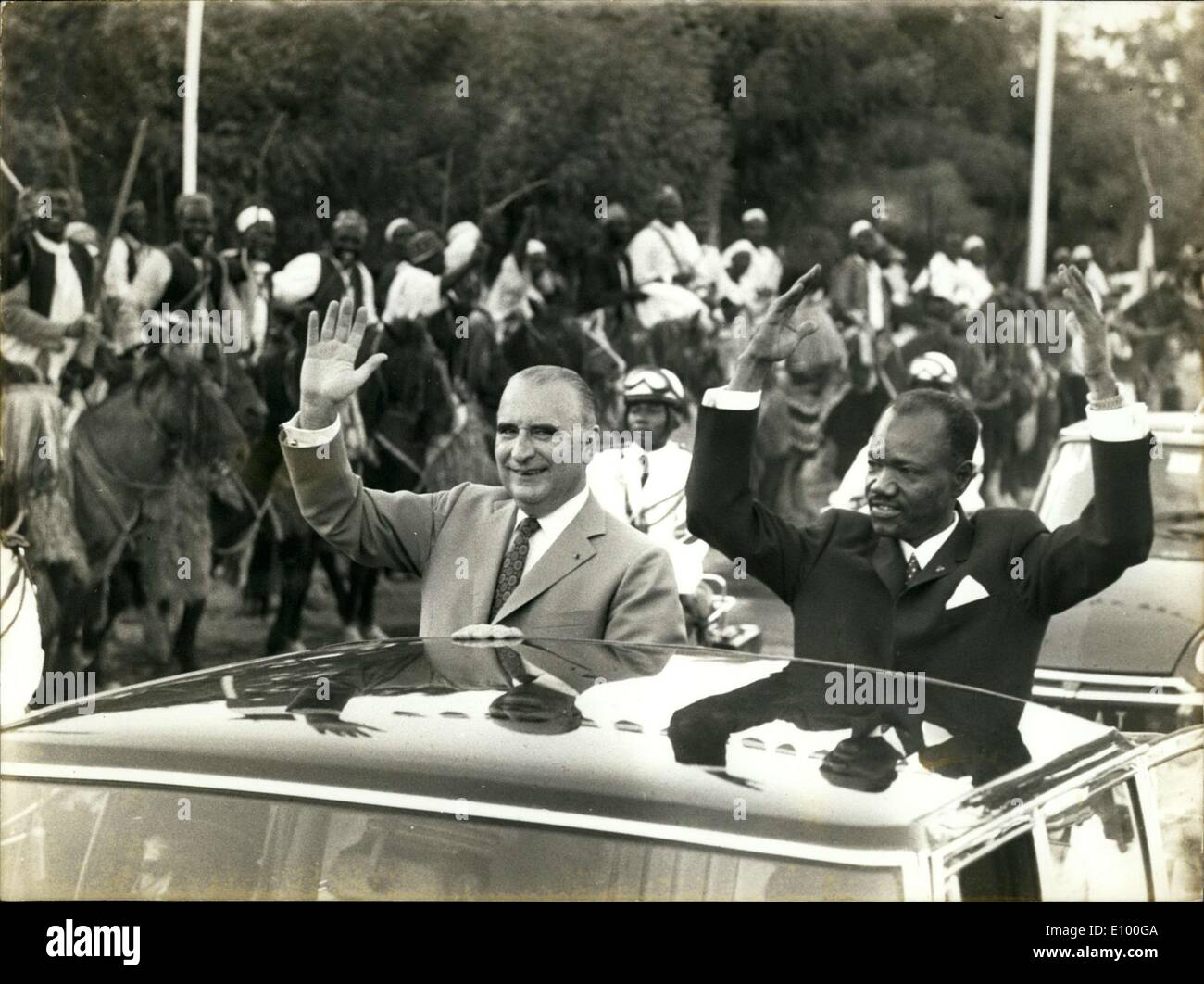Jan. 28, 1972 - Presidents Pompidou & Tombalbaye (Tchad) Wave Fort Lamy Crowd APRESS.c - Stock Image