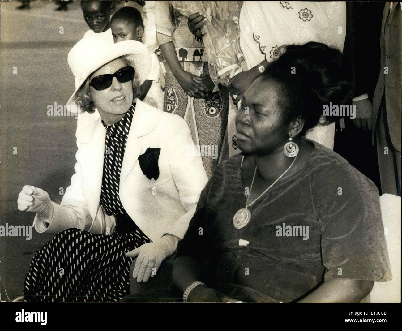 Jan. 28, 1972 - Coming from Nigeria, Mrs. Pompidou arrived in Tchad where she met the first lady of Tchad. - Stock Image