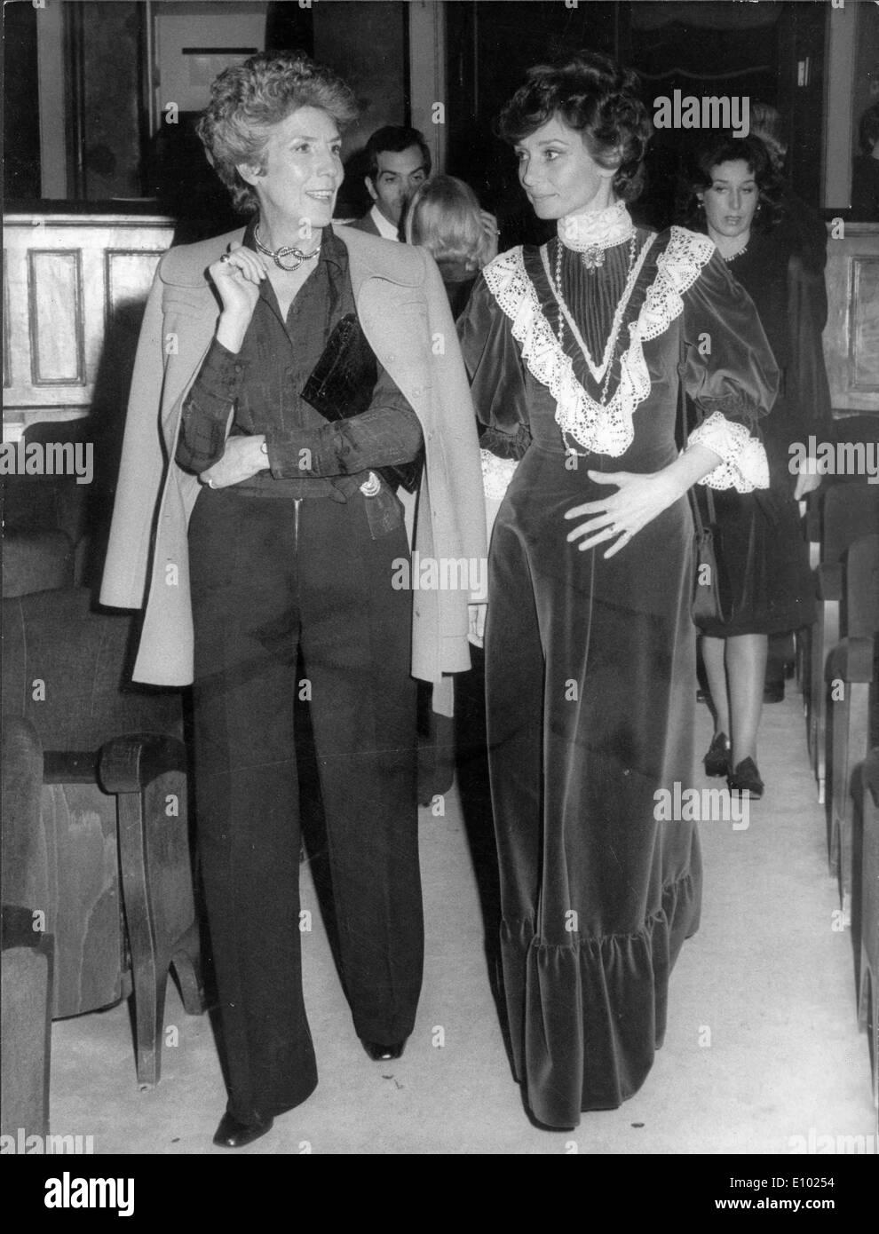 Audrey Hepburn and Terese von Furstenstein at theatre - Stock Image