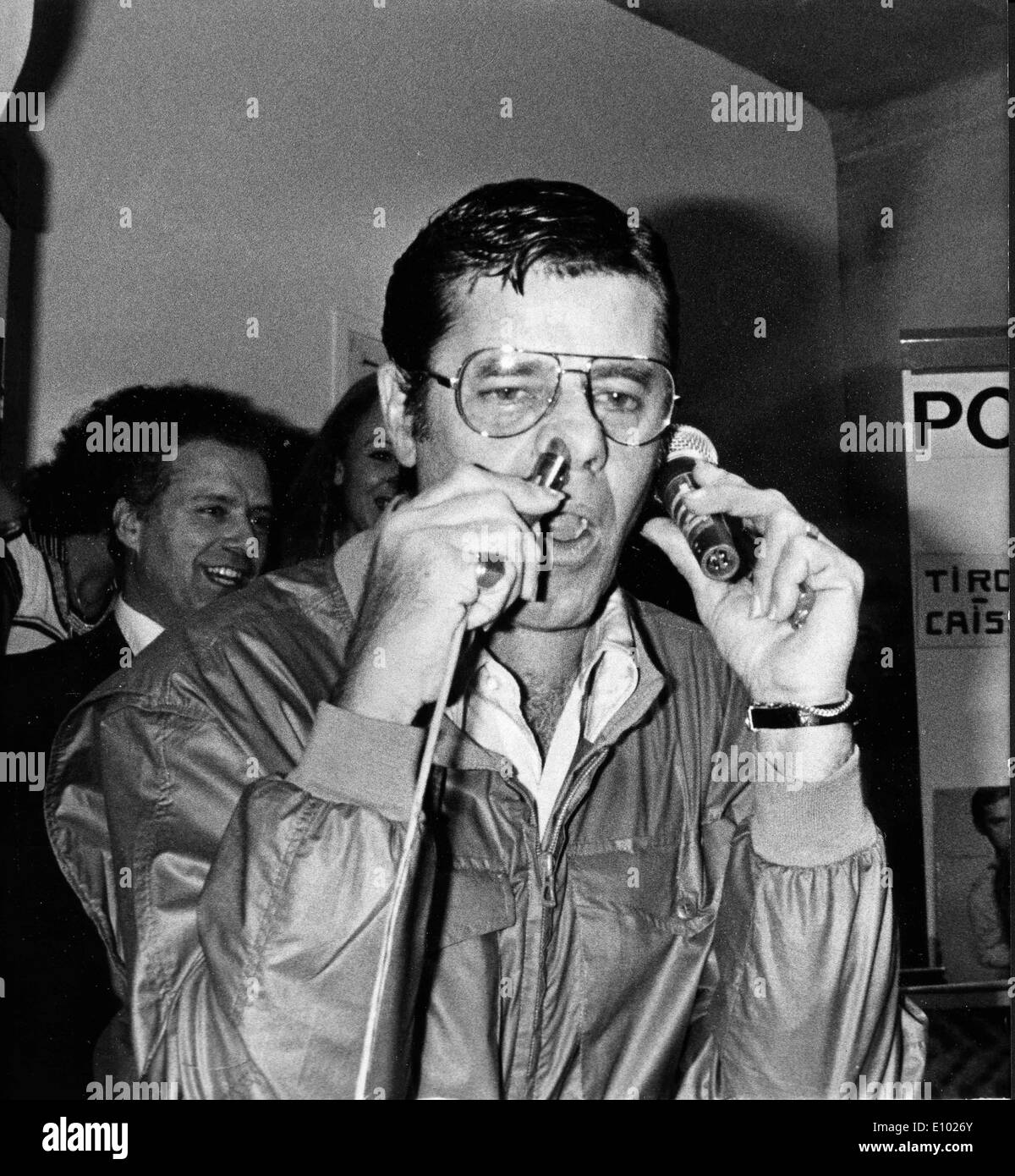 Comedian Jerry Lewis goofs around at premiere - Stock Image