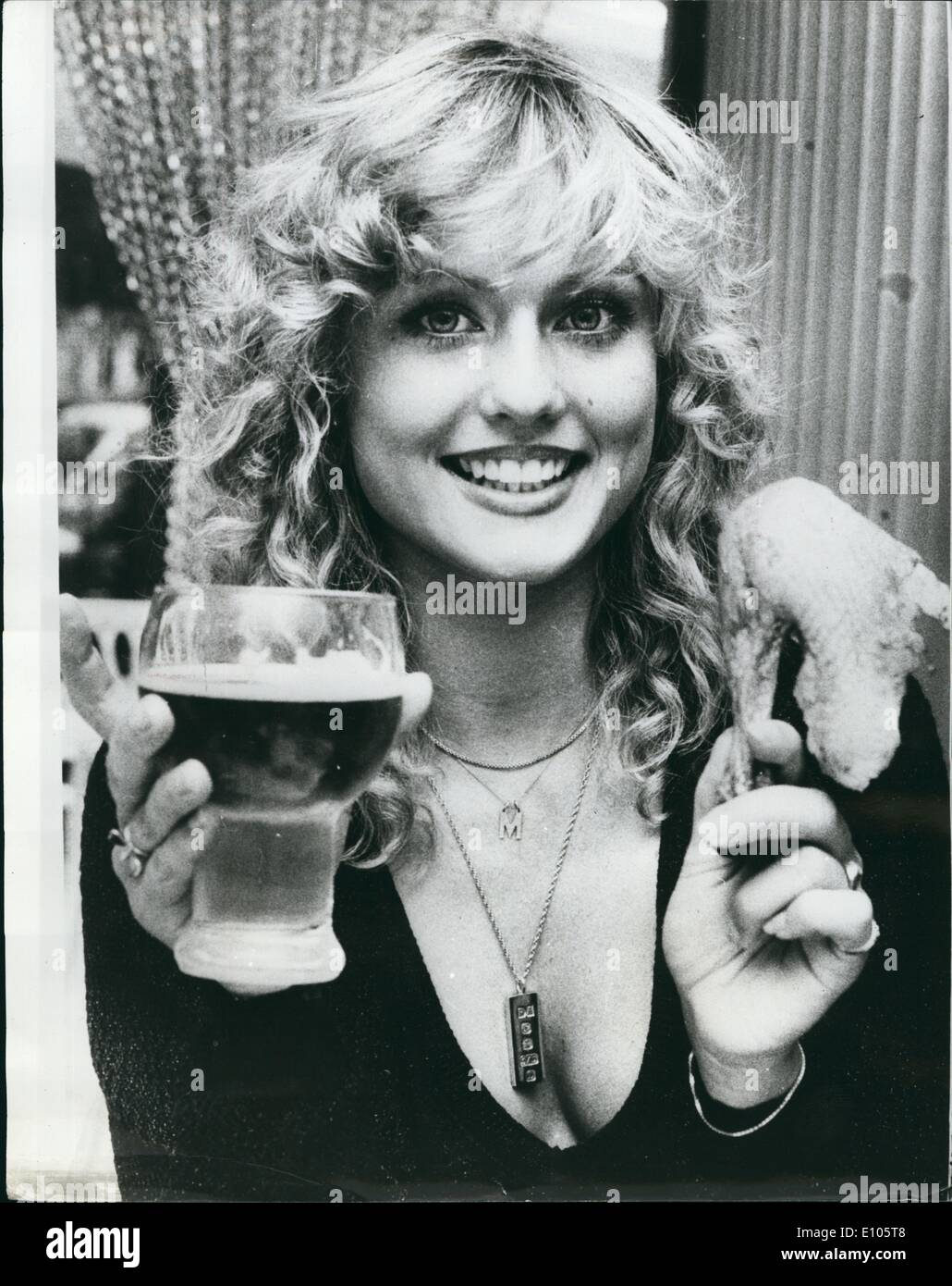 Mary Stavin Nude Photos 71