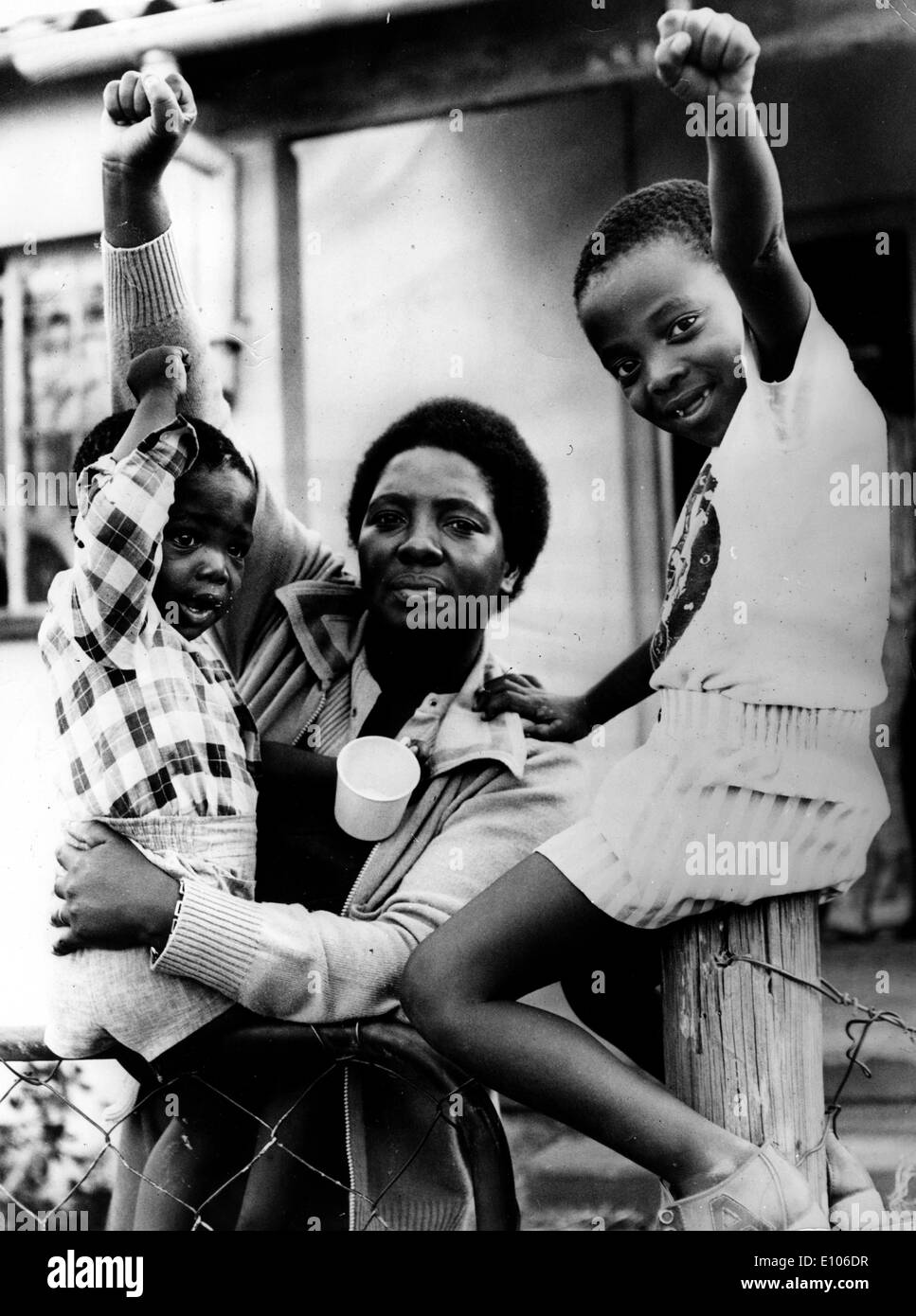 """Supporters of Stephen Bantu Biko(18 December 1946 €"""" 12 September 1977) was a noted anti-apartheid activist in South - Stock Image"""