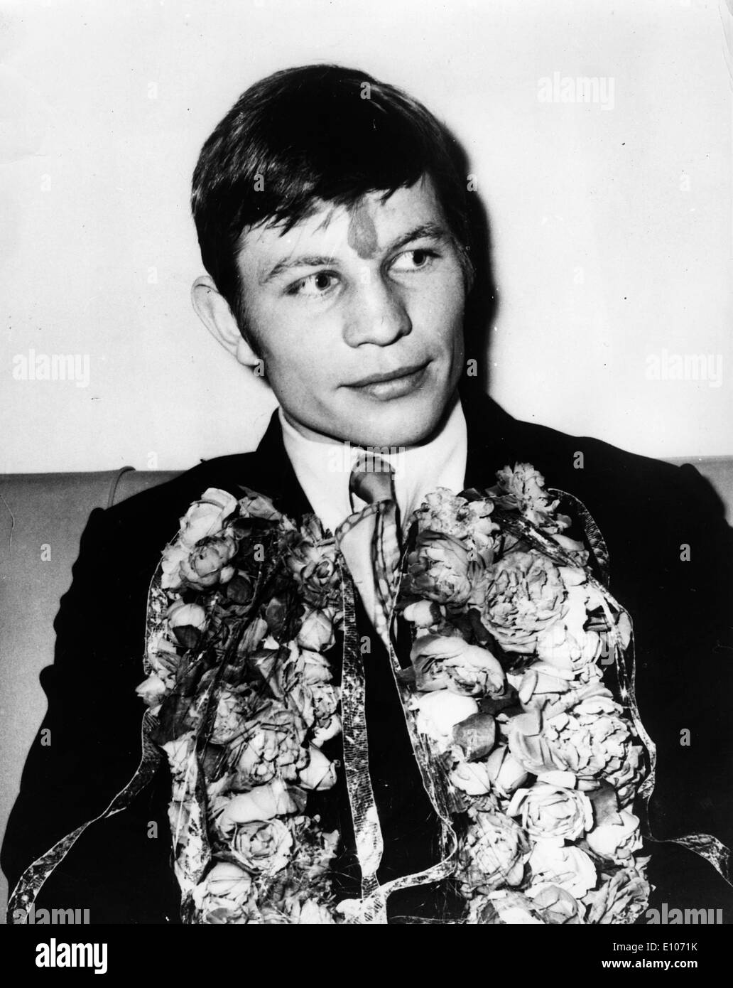 picture Michael York (born 1942)
