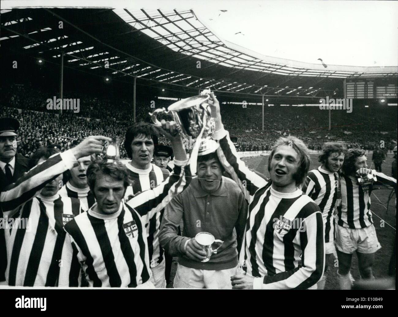 Mar. 03, 1972 - Stoke City Beat Chelsea In League Cup Final At Wembley By 2-1: Photo shows. Seen after the match as the stoke players hold up the league cup they are L-R George Eastham, who acored the winning goal, John Ritchie, Gordon Banks England and Stoke goal and Jimmy Greenhoff. - Stock Image