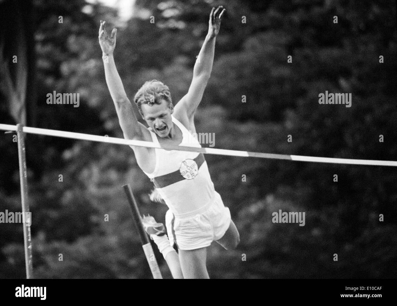 Sixties, black and white photo, sports, athletics, International Meeting in Athletics 1966 in Krefeld-Uerdingen, pole vaulting, men, pole vaulter of Bayer Leverkusen, D-Krefeld, D-Krefeld-Uerdingen, Lower Rhine, North Rhine-Westphalia - Stock Image