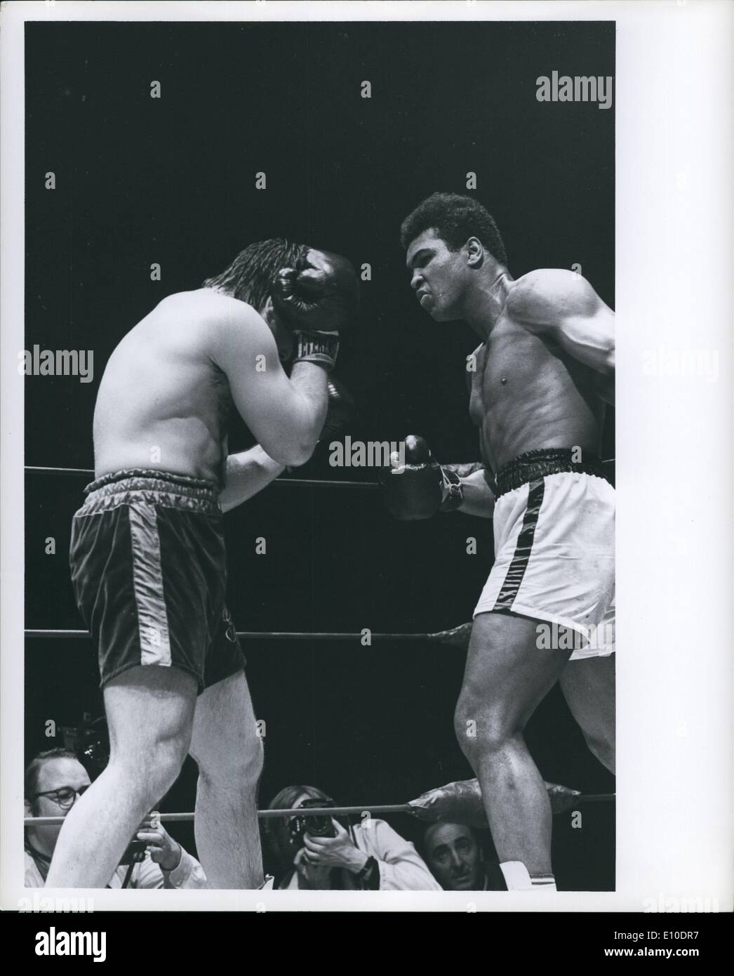 May 05, 1972 - Muhammad Ali - George Chuvalo Fight in Vancouver - Stock Image