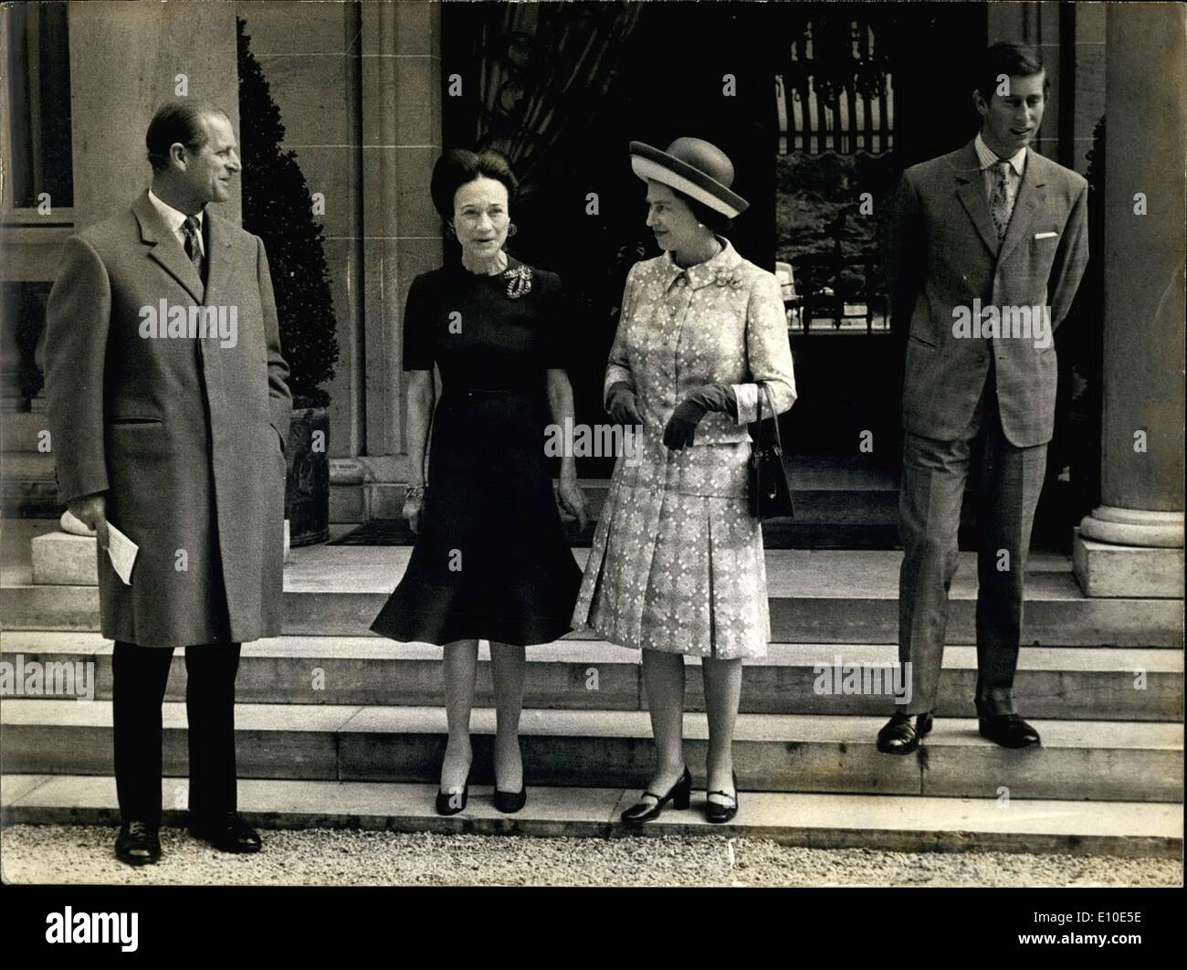 May 05, 1972 - The Queen, the Duke of Edinborough, and Prince Philip visited the Duke and Duchess of Windsor at their home in Bois de Boulogne. The Duke, who keeps to his room, could only stay a few minutes to visit with the Queen. They are pictured above on the steps o - Stock Image