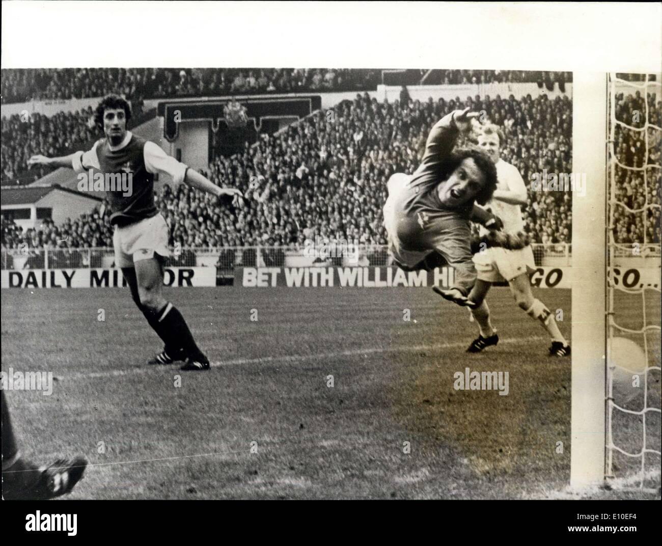 Fútbol 72 Panini mejores vendedores de 1972 #153 Paul Madeley-Leeds United