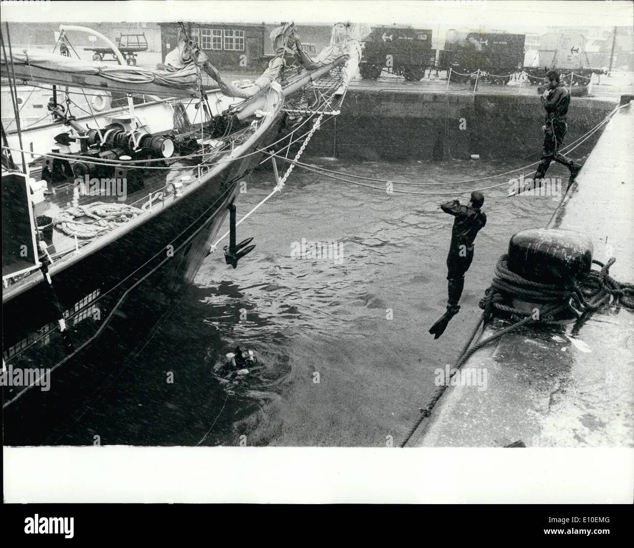 Aug. 08, 1972 - Preparing for tall ships race: The scene as Royal Navy divers plunge into the water at Southampton yesterday at - Stock Image