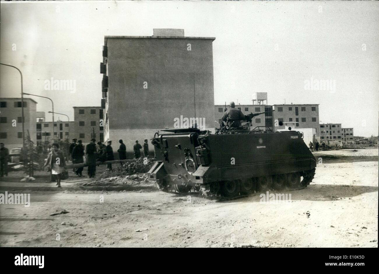 May 05, 1973 - Barrio General Belgrano, Buenos Aires Province, Argentina : Tanks, lo arms and some 500 soldiers were necessary to oblige some hundreds  gal occupants of the recently terminated constructions by the Mun of Buenos aires. Someones from the new dwellings at the ''Barrio G Belgrano'' at the outirt ob Buenos Aires who already were assig hundreds of fmilies one finished the dwellings. This city distri have a capacity for 10.072 persons once finished - Stock Image