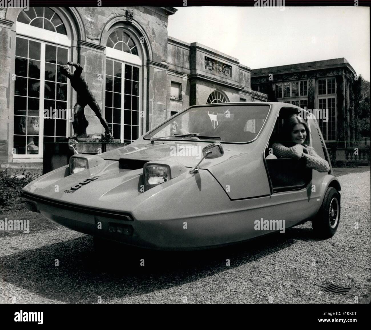 May 05, 1973 - The ''Bond Bug'' - The youth car of the 70's'': The bond Bug, a revolutionary two-seater olni to be the first vehicle designed exclusively for the 17 to 25 age group. This new Raliant Motor Group producti launched with the confident  of it becoming as big a trend-setter in its field during the 1970's as the Mini was in the last . Three versions are being offered, they are the  700 ''Bond Bug model (priced at 548.0.04) the 700 (579.7.0) which has full weather equipment ans styling rafinemen the 700s (29.19.) all world  - Stock Image
