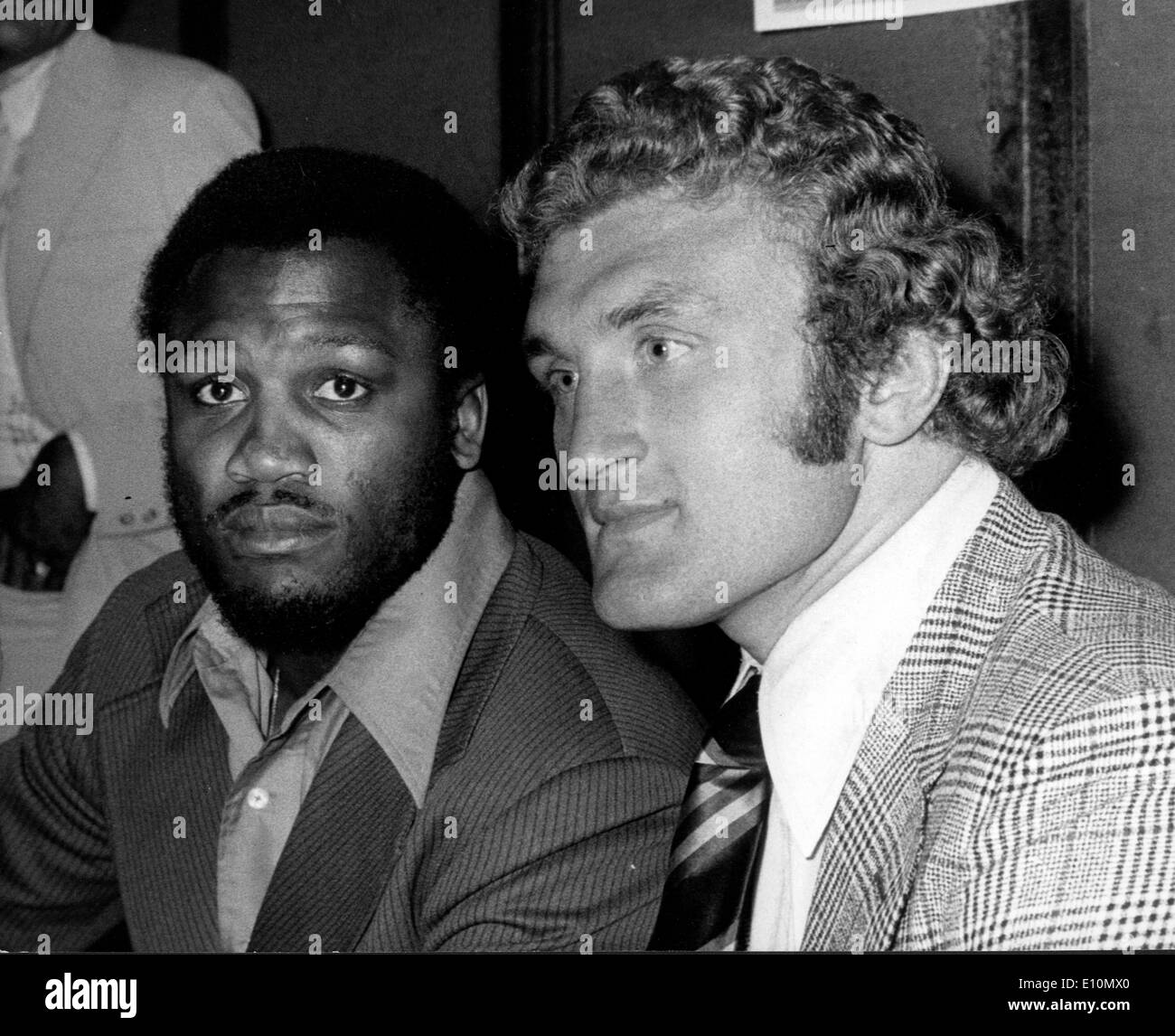 Boxers Joe Bugner and Joe Frazier attend press conference - Stock Image