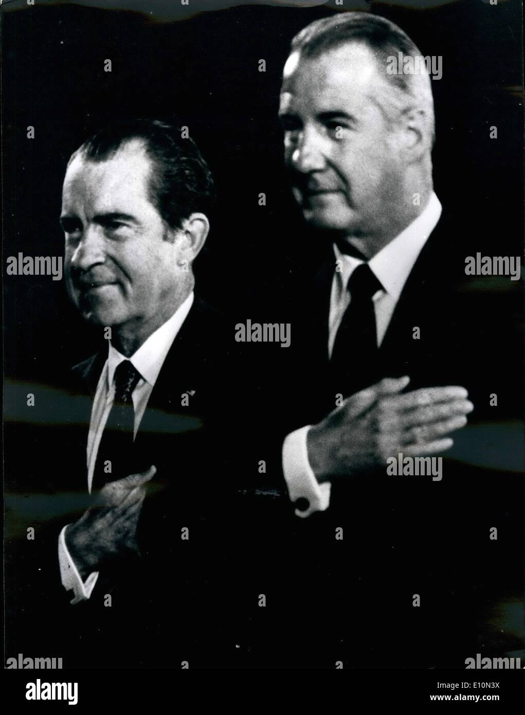 Aug. 08, 1973 - Cross My Heart, I'M Innocent. Spiro Agnew Sensation: The American Vice-President Spiro Agnew, Like president Nixon is now i trouble, Spiro Agnew is under investigation for Possible criminal violatiuons. The wall Street Journal repaired today what the investigation involved allegations of Bribery extortion and tax fzaud. Picture Shows: Spiro Agnew (right) with President Nixon at a recent reception. - Stock Image