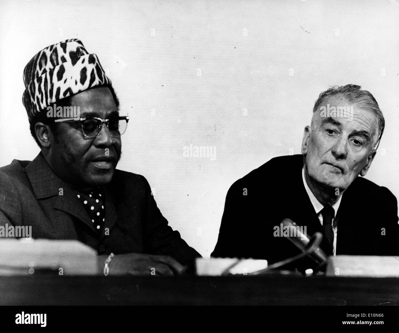 ILO general manager WILFRED JENKS (GB), to the left the president of the Conference TSHIABOLA BINTU'A (Zaire). - Stock Image