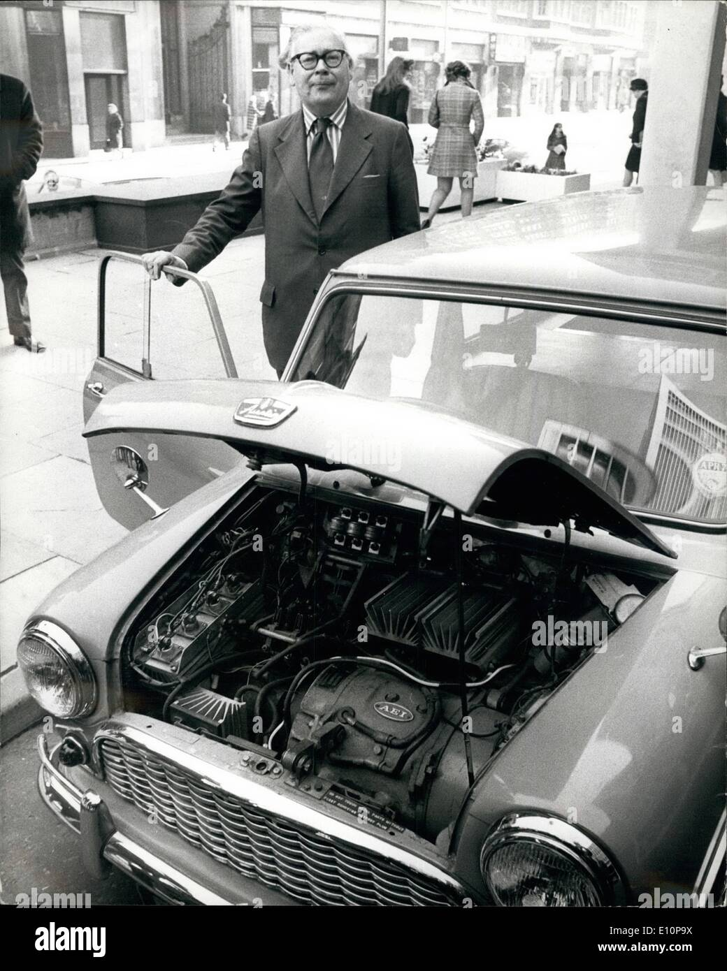 Nov. 11, 1973 - Geoffrey Rippon Tries Out Experimental Electric Mini-Traveller For A Journey To Downing Street: Geoffrey Rippon, Secretary of State for Environment, today took delivery from the Electricity Council of an experimental electric Mini-Traveller for alternative means of transport. The car is powered by batteries and does 25 miles after a charge of 4 hours. It has a top speed of 40 m.p.h. The car has been lent to Mr. Rippon during the present petrol crisis and today used the car to attend a Cabinet meeting at No. 10 Downing Street - Stock Image