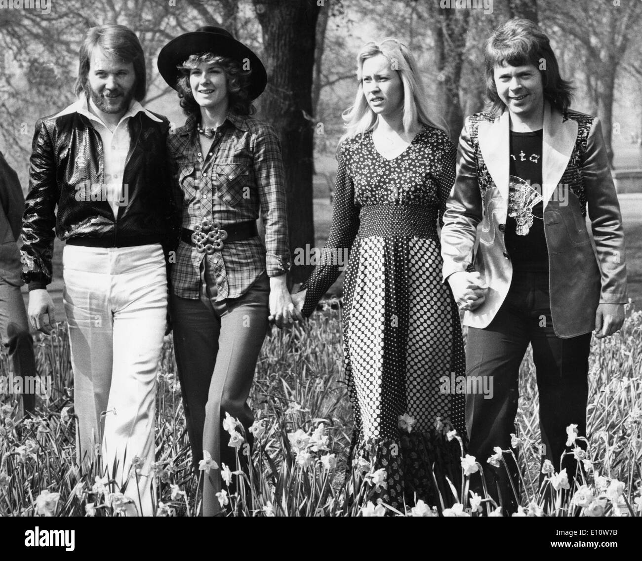 Pop group ABBA walking in Hyde Park Stock Photo