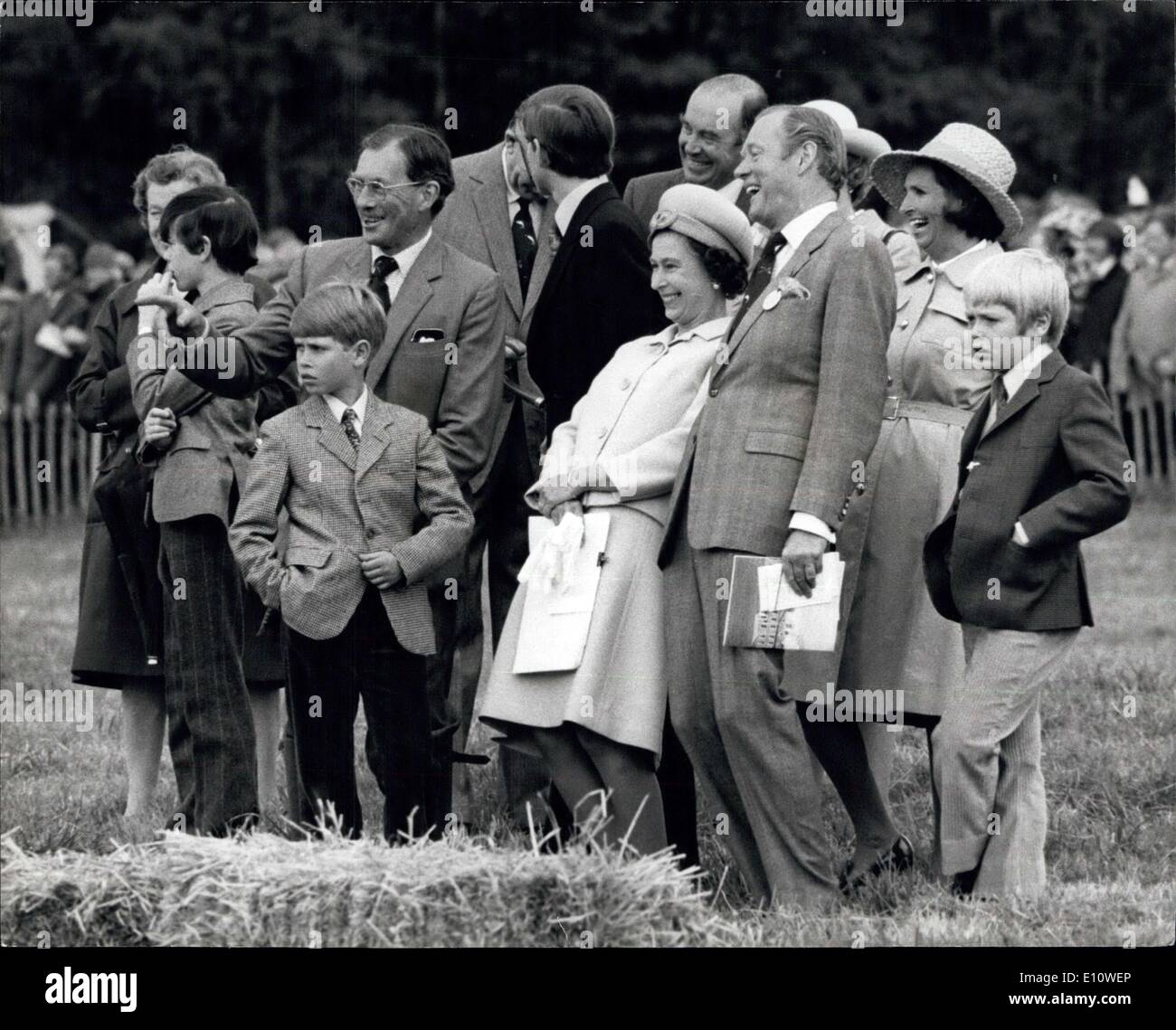 Jun. 26, 1974 - The Royal Family Visit The Country Home of The Duke of Wellington to Attend a Game Fair.: The Queen and Prince Philip with Prince Andrew and Prince Edward Today paid a visit to Stratfield Saye the Duke of Wellington's country home near REading, Berks., Where they attended a Game Fair. They lunched privately with Lady Jane Welliesley (whose name had been linked romantically with Prince Charles), her parents, the Duke and Duchess of Wallington, and her four brothers in a marquee at the Game Fair in the grounds of the Wellington's 60,000- acre estate - Stock Image