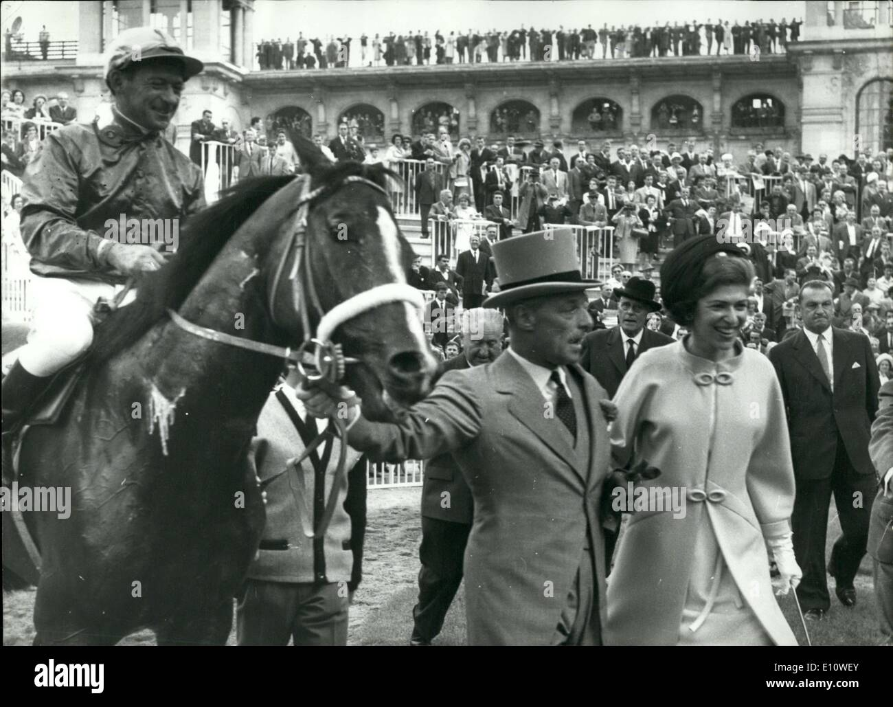 Jun. 28, 1974 - Baron and Baroness Guy de Rothschild with their Winning Horse APRESS.c Stock Photo