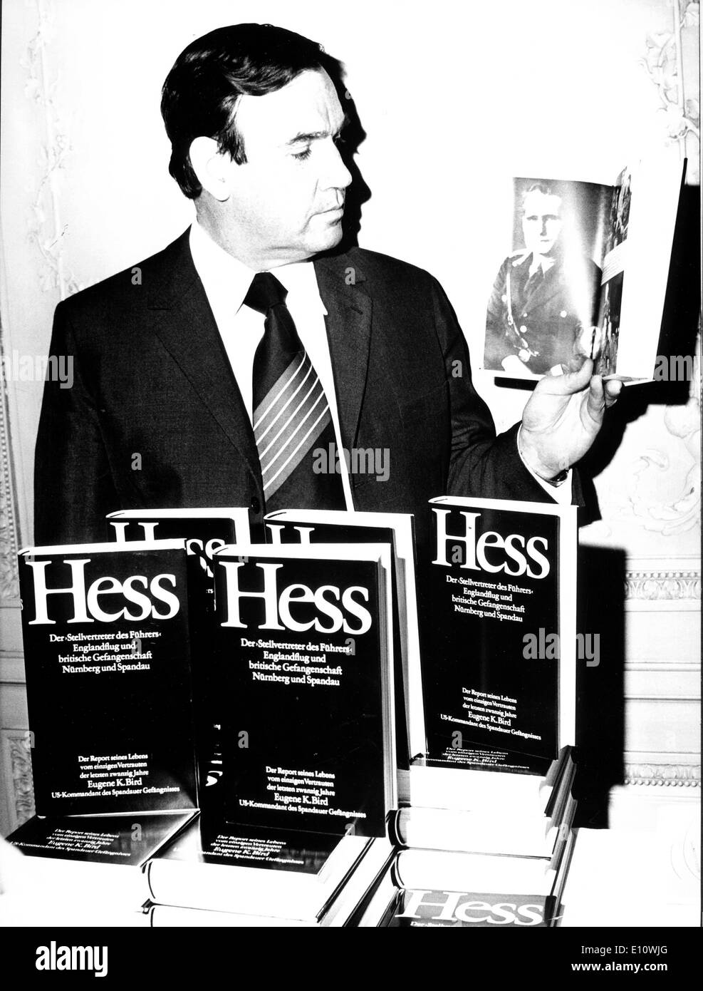 Author EUGENE K. BIRD presenting his book about the life of Rudolf Hess in Berlin Germany - Stock Image