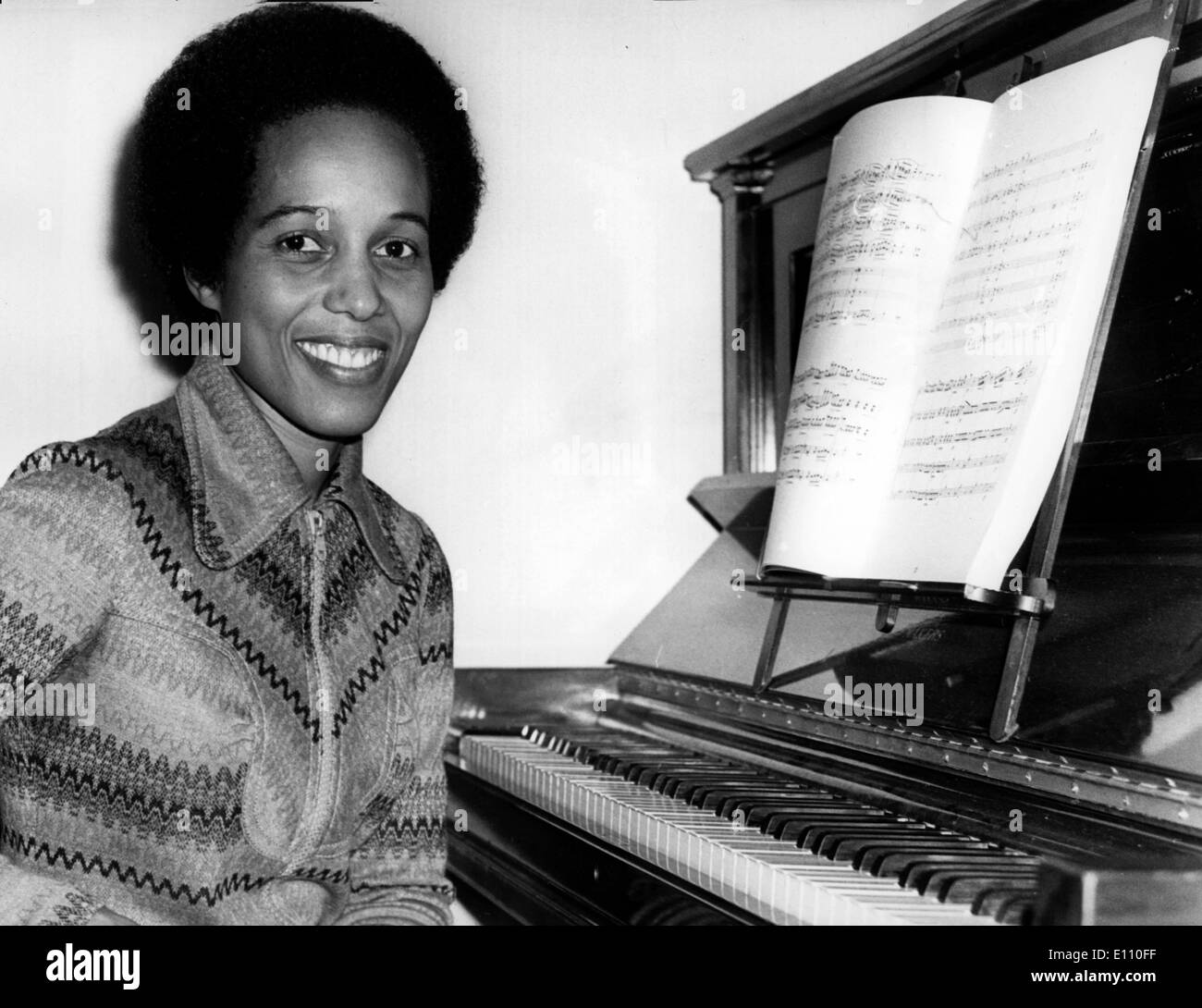 Jamaican born pianist NERINE BARRETT, plays Chopin's Second Piano Concerto at the Royal Festival Hall, London - Stock Image