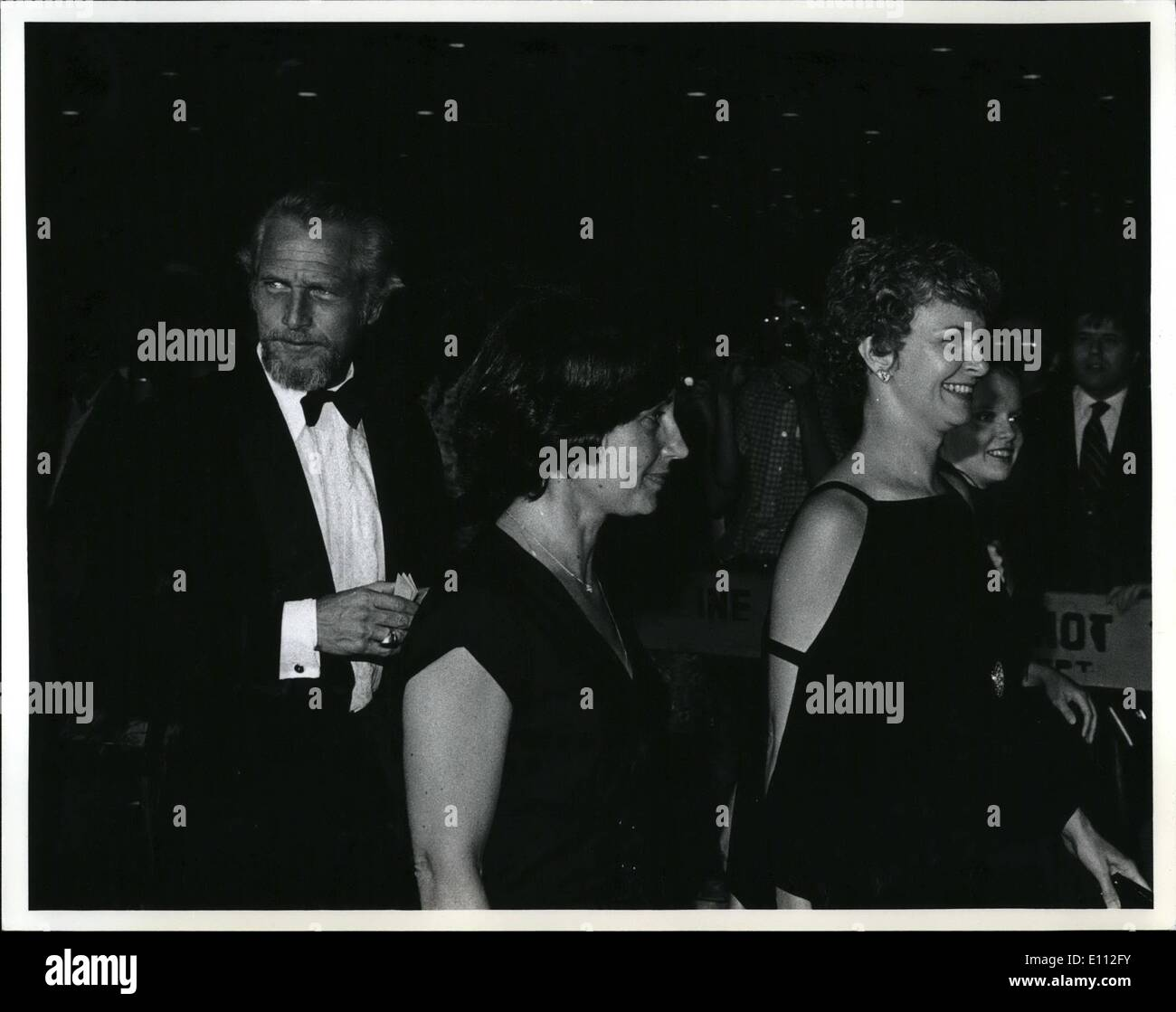 Jun. 06, 1975 - Paul Newman - unidentified woman - Joanne Woodward at the Martha  beautiful - U Theatre. : - Stock Image