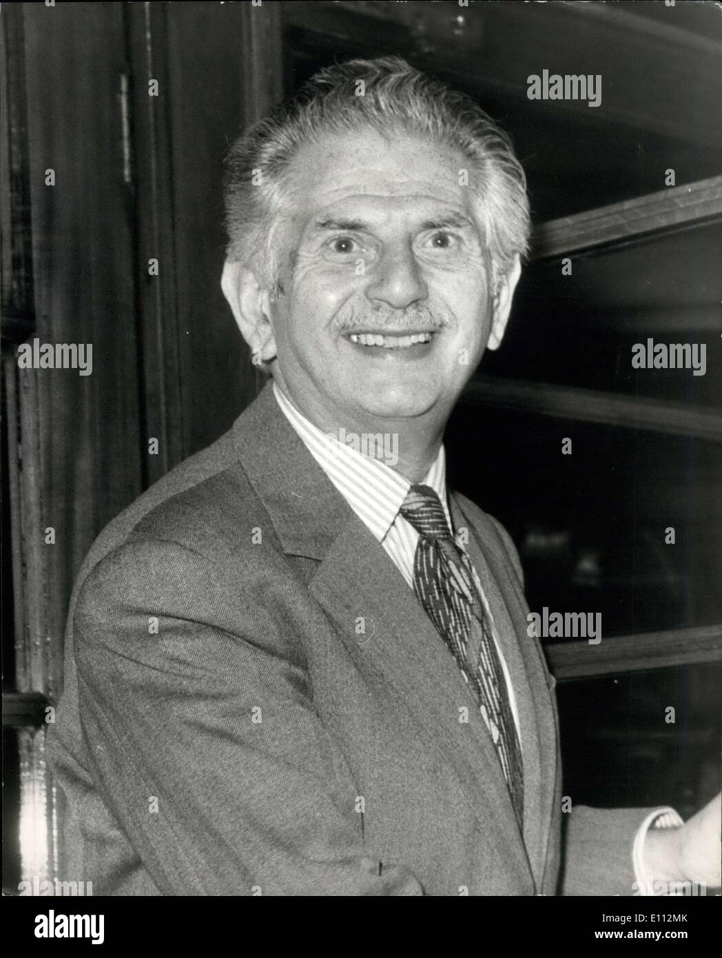 May 12, 1975 - Sate Industry Leaders Meeting: Leaders of nationalized industries were this afternoon holding a meeting at the British Steel Corporation. Prior to the meeting they had launch at the Great Western Hotel, Paddington. Photo shows Sir Monty Finniston, head of the British Steel Corporation,arriving for today's lunch. - Stock Image