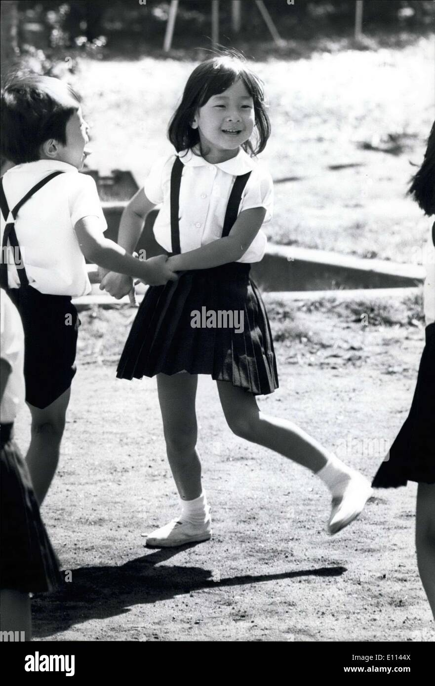 Oct. 17, 1975 - Dancing Princ Princess Nori, age 10, the only daughter of the Crown Prince and Princess of Japan, seems to m - Stock Image