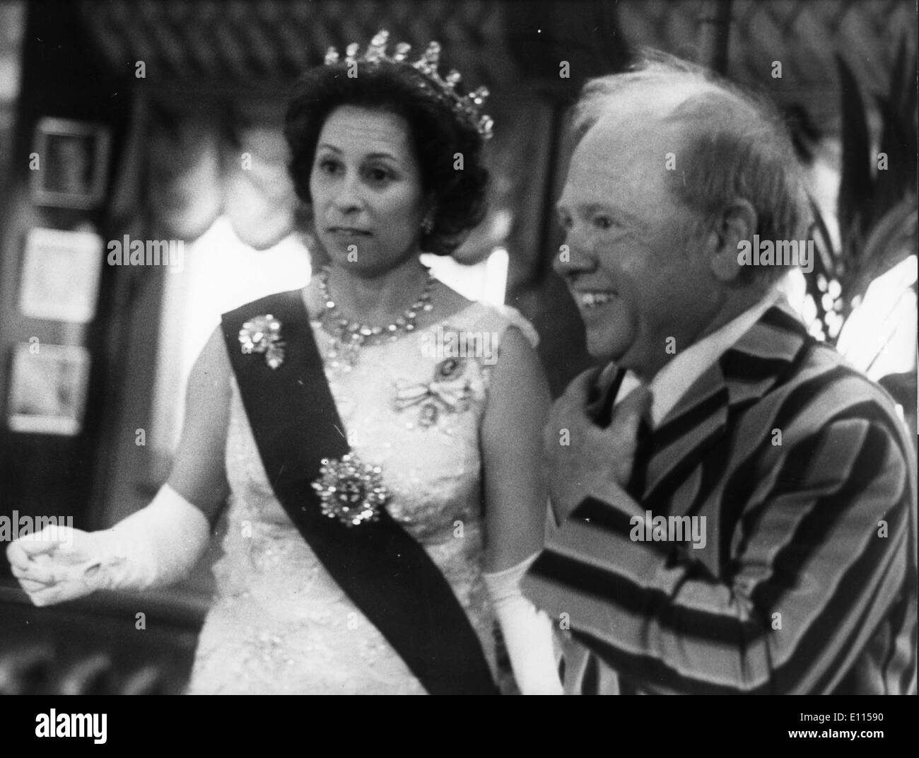 Actor Mickey Rooney visits with royalty - Stock Image