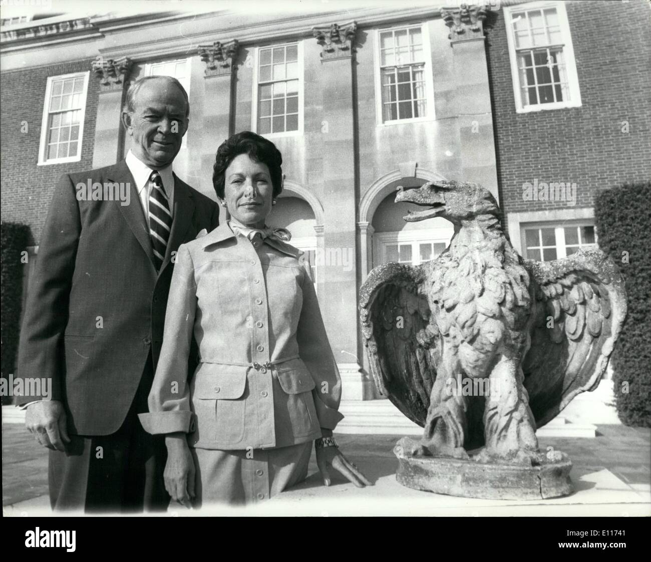Mar. 03, 1976 - America's New woman Ambassador to Britain meets the press: Members of the press were invited to meet MRS ANNE ARMSTRONG, the new American Ambassador to Britain, at the Ambassador's residence at Winfield House, Regents Park, London, today. Photo shows MRS ANNE ARMSTRONG and her husband TOBIN, a millionaire Texas rancher, pictured alongside a stone eagle, in the garden of Winfield House, the Ambassador's London residence, today. - Stock Image