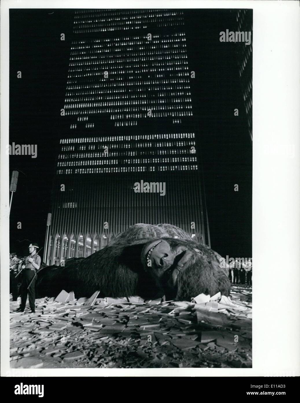 Jun. 06, 1976 - King Kong filming at World Trade Center new production by Dino de . Photo shows beauty: Jessica Lange. - Stock Image