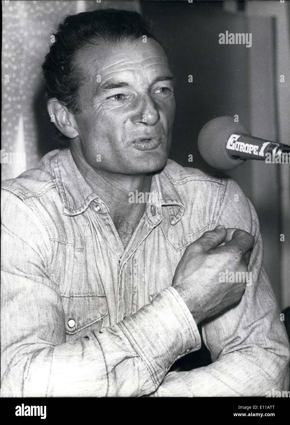 Jul. 01, 1976 - The French navigator, Eric Tabarly won the one-man race of crossing the Atlantic Ocean. Here he is recounting his journey to the press in Paris. - Stock Image