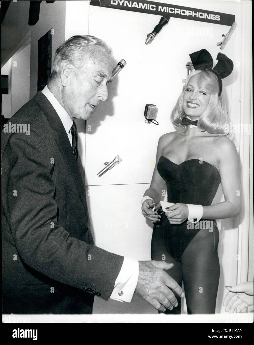 Sep. 09, 1976 - Earl Mountbatten Opens the 6th International Broadcasting Exhibition at Grosvernor House. Photo Shows: Earl Mountbatten during a tour of the exhibition stops to chat to Bunny Girl, Penny, who was present at one of the exhibition stands. - Stock Image