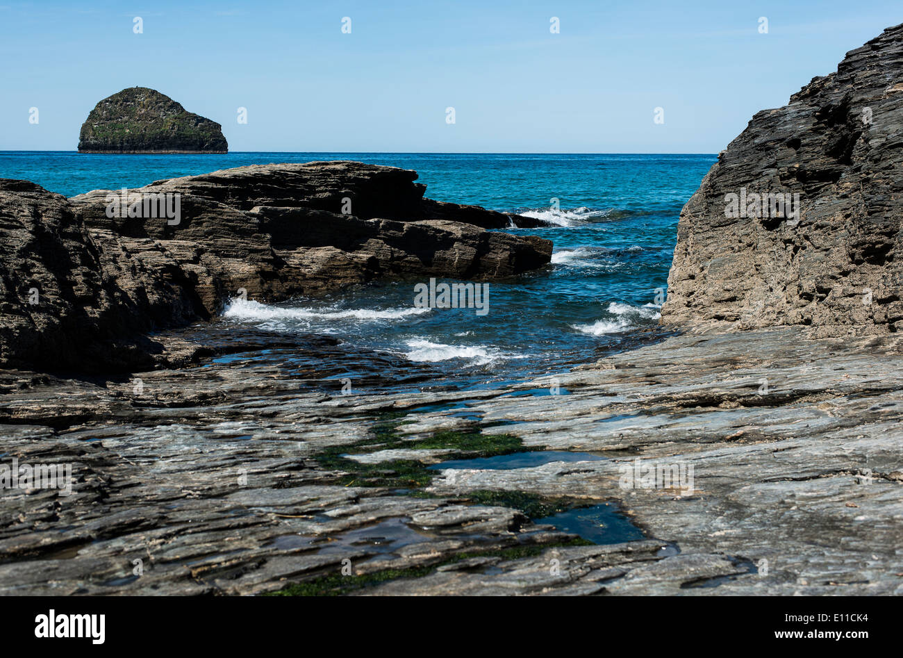 Wadebridge beach, cornwall, rocky beach - Stock Image