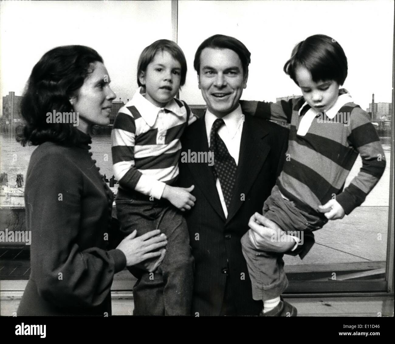 Feb. 02, 1977 - Dr. David Owen The New Foreign Secretary And Family At Home: Dr.David Owen, 38, the new Foreign Secretary who took the place of Anthony Cross land who died last week, was at his terraced 18th Century home at Narrow Street,. Limehouse, East London, yesterday with his family to meet the press.Photo Shows Dr,. David Owen with his wife Debbie and two sons Tristan aged 4, left, and Gareyth aged 4 at their Lime house home yesterday. - Stock Image