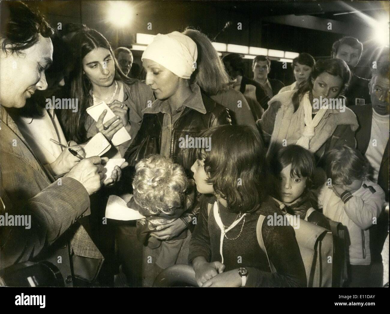 May 04, 1977 - 157 French people, for the most part women and children, evacuated from Zouerate, due to an attack by the Polisario Front. They arrived at Roissy airport last night on board a CD8 that was specially chartered by the National Industrial and Mining Company for the repatriates of Mauritania. - Stock Image
