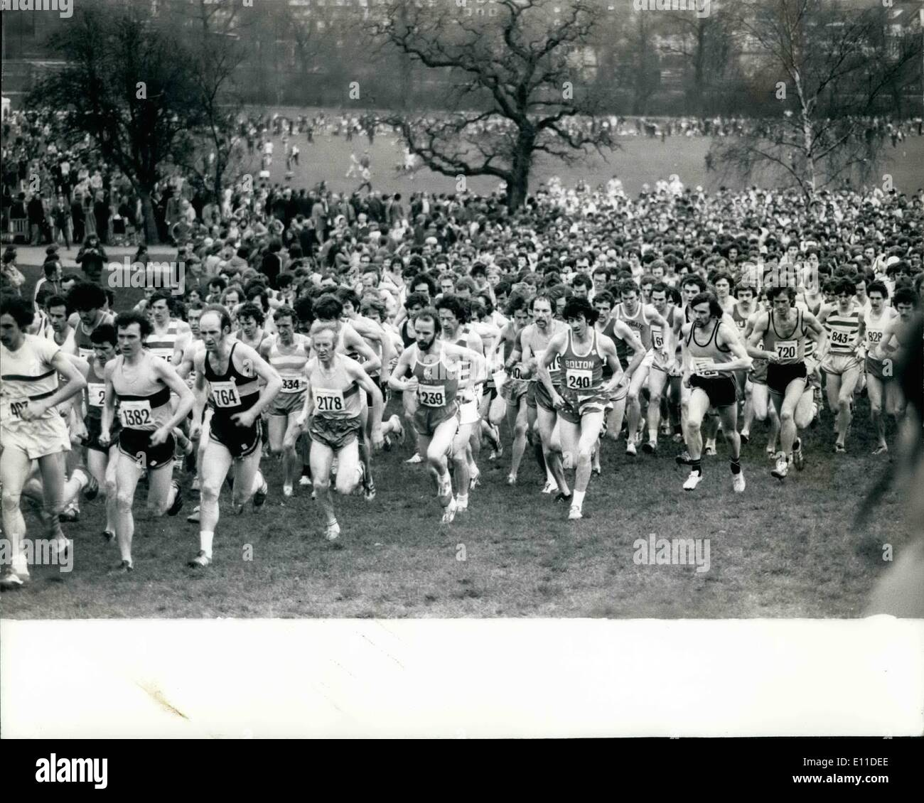 Mar. 03, 1977 - Brendan Foster wins senior event in English cross country championships: The senior event in the English Cross Country Championships, was won by Brendan Foster (Gateshead H & A.C.), at London's Parliament Hill Fields, today. Photo shows General view of the start of thessenior event in which 1500 competitors who took part. - Stock Image
