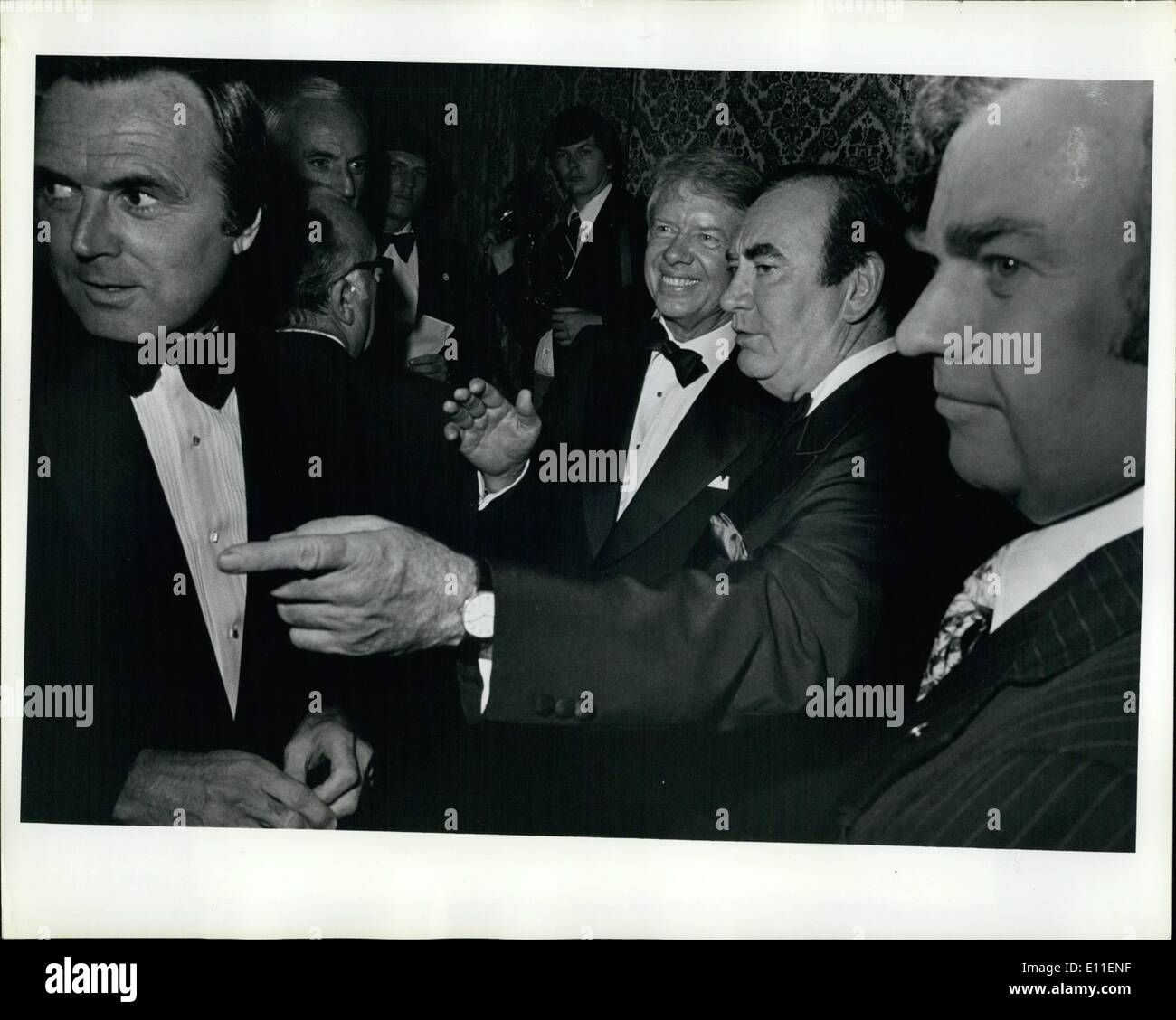 Jun. 06, 1977 - Grand Ballroom Of The Waldorf Astoria Hotel, New York City: President Carter Attended A 000.00 A Plate Fundraiser This Evening Sponsored By The Democratic National Committee. Photo shows President Carter Being Introduced To Various New York Democratic Fat Cats By New York Governor Hugh Carey. - Stock Image