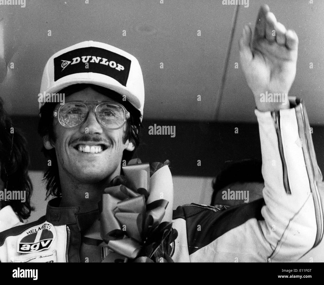 Jul 12, 1977; Kent, England, UK; Motorcycle racer STEVE BAKER gives a victory wave after winning the 750 World Championship race at Brands Hatch. - Stock Image