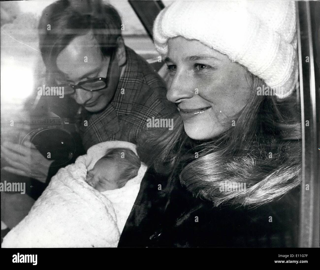 Nov. 11, 1977 - Duchess of Gloucester leaves St. Mary's with her Baby daughter: The Duke and Duchess of Gloucester leaving St. Mary's Hospital, Paddington, for Kensington Palace on Saturday with their one-week-old daughter, who is to be named Lady Davina Elizabeth Benedikte Windsor. - Stock Image