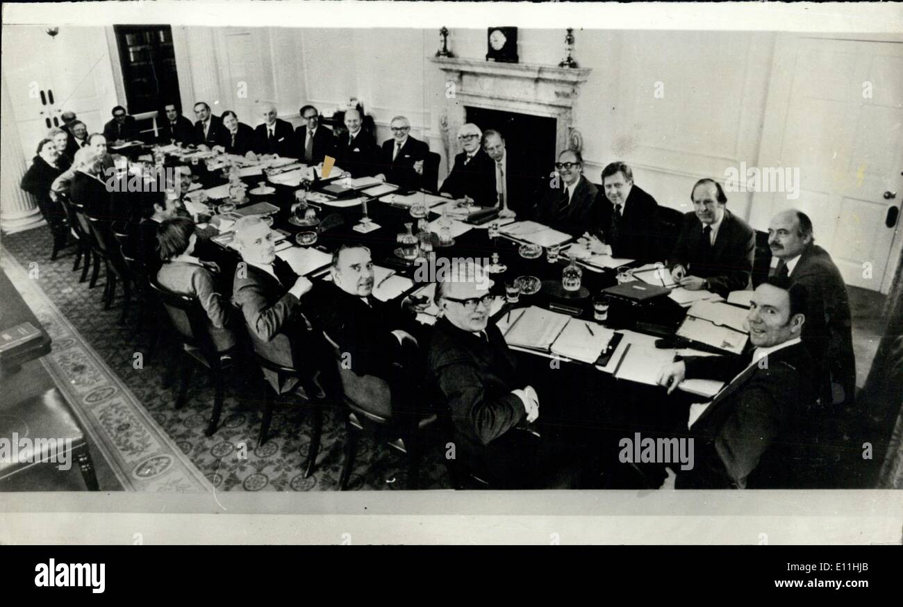 Mar. 13, 1978 - March 13 1978 - First picture of a Cabinet in Session - This is believed to be the first picture taken of a Prime Minister and members of his Cabinet in session at 10 Downing Street. Members (clockwise from Mr. Callaghan in the centre background) with their departments are : Mr. Foot (Leader of the Commons), Mr. Shore (environment), Mr. Mulley (Defence), Roy Hattersley (Prices), Stanley Orme (Social Security), Mr - Stock Image