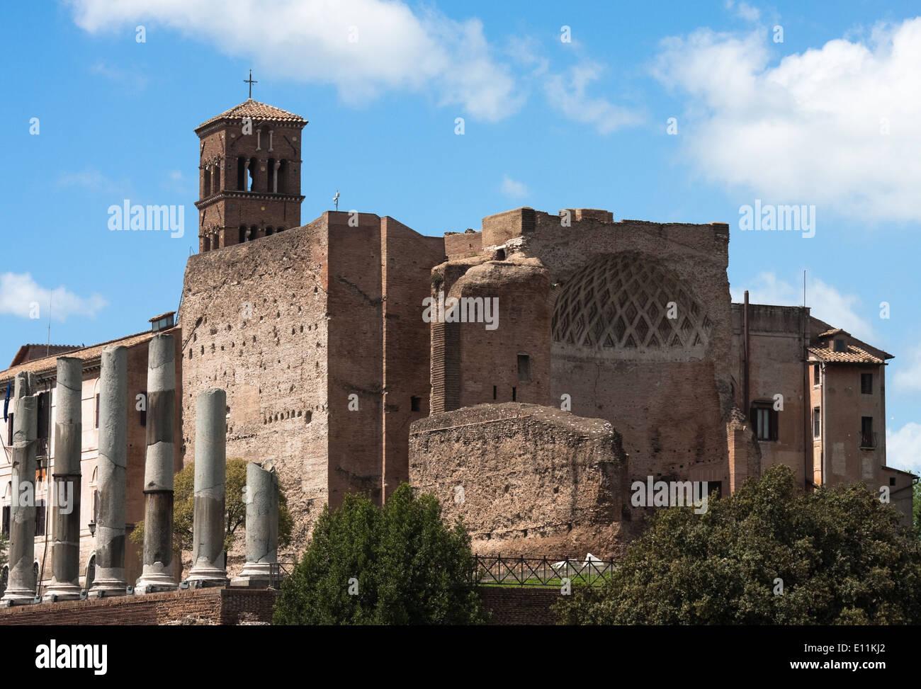 Tempel der Venus und der Roma, Forum Romanum, Rom, Italien - Temple of Venus and Roma, Forum Romanum, Rome, Italy - Stock Image