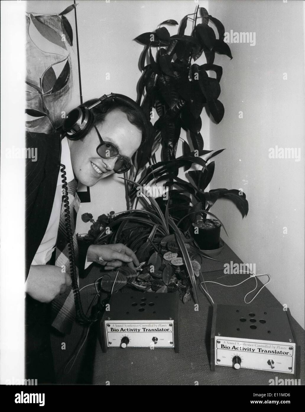 Nov. 11, 1978 - Bio Activity Translator to Listen to the Secret World of Plants.: For the firs time in the U.K. in Kit form, the revolutionary concept of a Biological Amplifier and sound synthesiser in one unit, the 'Bio Activity Translator' an electrode is clipped across the plant leaf, and the bicelectric signals are then detected by a special amplifier within the transtator, these signals are used to control the production of sound from a synthetic so that the sequences of notes produced follow in pitch rhythm and volume the ever changing signal from the plant - Stock Image