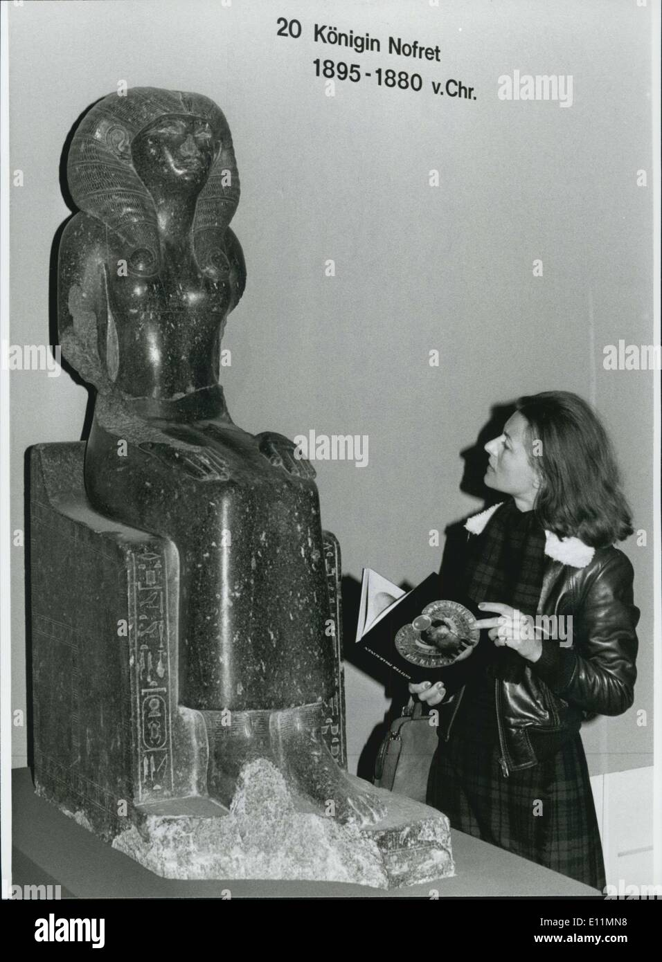 Nov. 25, 1978 - November 25th, 1978 Until February 4th 1979: Exhibition ''Gods - Pharons'' In Munich: ''Gods -Pharaons''... is the title of the exhibition which was opened at November 25th 1978 at the Munich ''Haus der Kunst'' after it decoyed about a half million visitors to the Villa Huegel in Essen/West Germany. It is the greatest exhibition from Egypt which ever left this land. The 175 artworks from the Egypt Museum at Kairo and form the Greece-Roman Museum at Alexandria give a unbroken view over the Egypt art. Photo shows: Sitting sculpture of Queen Nofret. - Stock Image