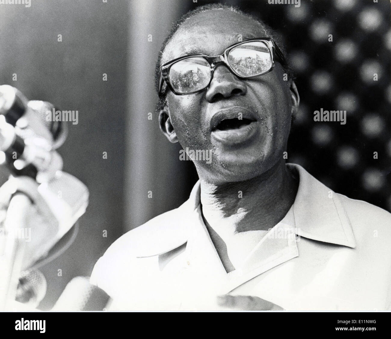 Apr. 20, 1979 - Nairobi, Kenya - The new President of Uganda, YUSUF LULE addresses citizens outside the parliament buildings after being sworn-in as Head of State. - Stock Image