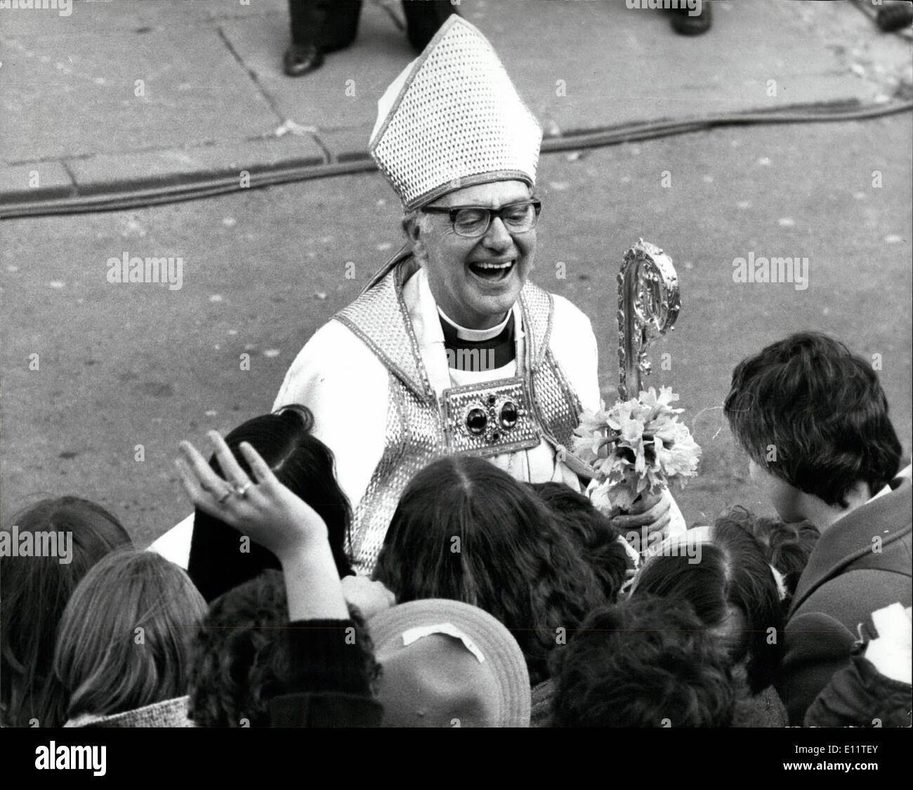 Mar. 03, 1980 - Enthronement of Archbishop Runcie: the 102nd Archbishop of Canterbury, Robert Runcie, was enthrone in ancient splendour in Canterbury Cathedral. More than 3,000 guests which included Prince Charles and Princess Margaret. Photo shows The Archbishop of Canterbury in high spirits as he joined the crowd waiting to greet him outside Canterbury Cathedral after his enthronement. - Stock Image