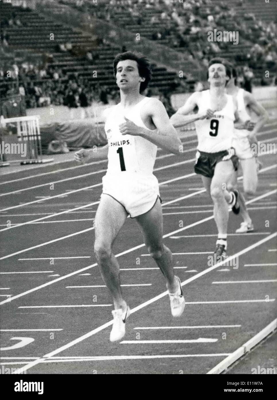 May 05, 1980 - SEBASTIAN COE WINS BOOMETRES AT CRYSTAL PALACE Sebastian Coe cruises to viotory in the 800 Metres On the .Philipe Nifht of Athletios at the Crystal Palaoe,in London lest night in hOe build.up to the Moivoow Olympics. - Stock Image
